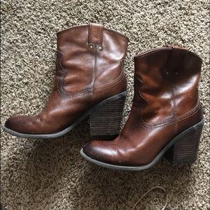 lucky brand short top boots size 9